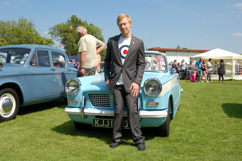 Dress to the age of your car. Chris the mod