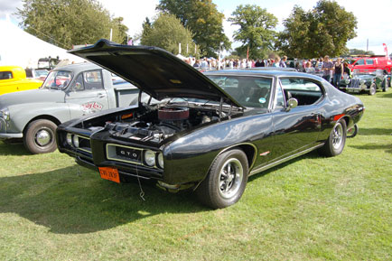 Plenty of Yanks too including this GTO